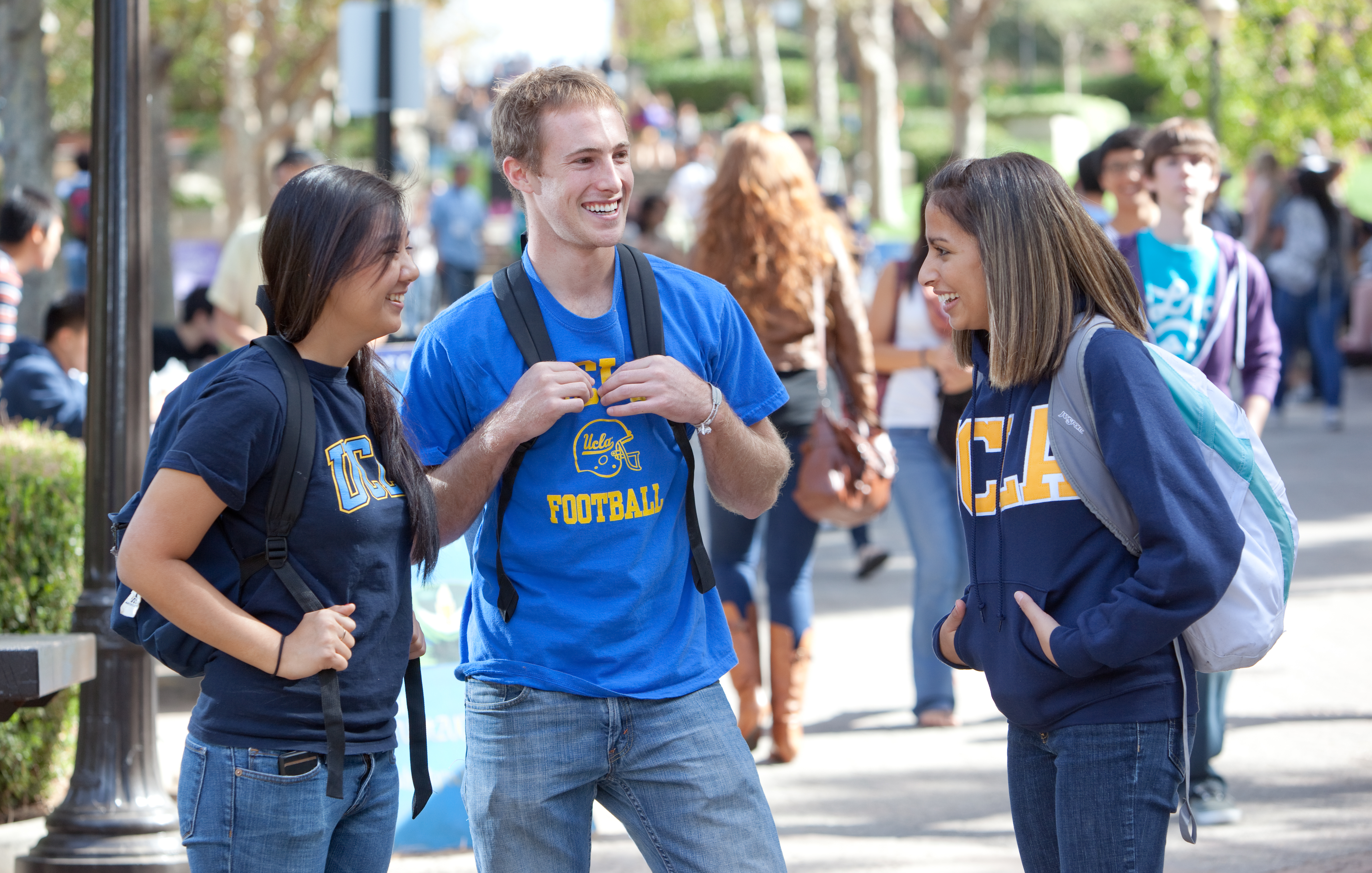 students on bruin walk�photo credit gavin holt